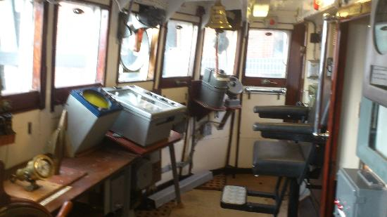 Hull & East Riding Museum: Arctic Corsair Trawler - Bridge