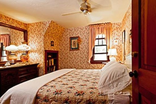 Ocean Gold Bed & Breakfast: Queen