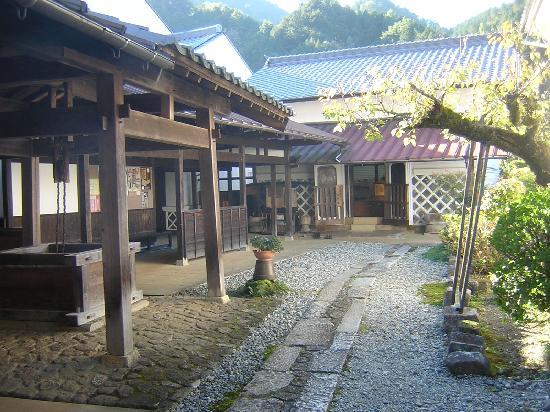 Nagisomachi Museum (Tsumagojuku Honjin): 中庭
