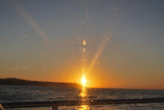 Aston Aloha Beach Hotel: Sunrise on the Ocean