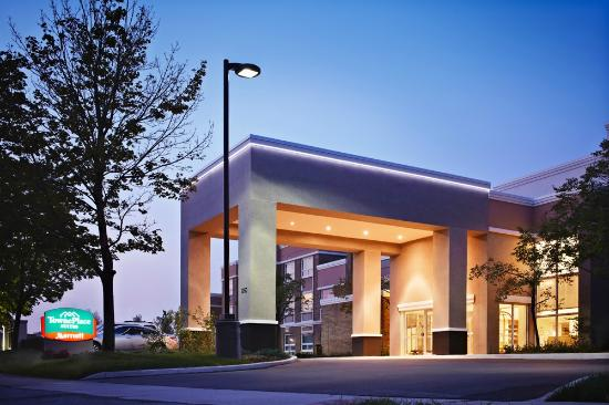 TownePlace Suites Mississauga-Airport Corporate Centre: Hotel Exterior