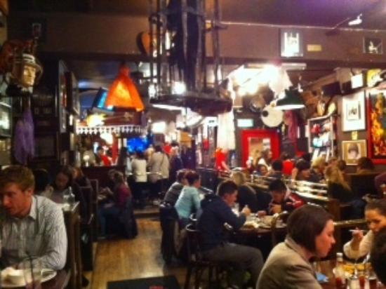 Captain Americas: salle du restaurant