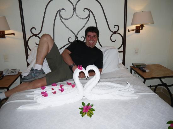 Hotel Hacienda de Cortes: nos adornaron la suite