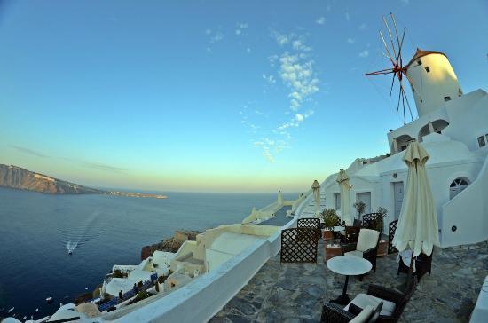 Golden Sunset Villas : terrace out side studio rooms