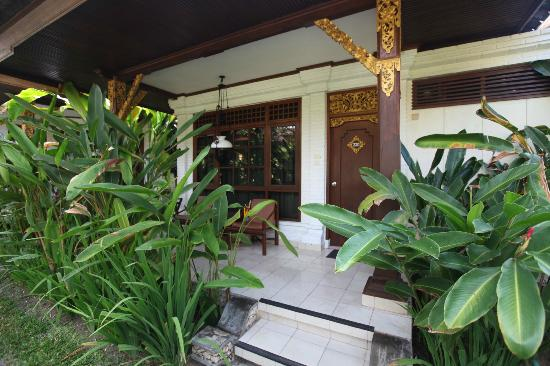 Rama Candidasa Resort & Spa: Rama Candidasa room porch