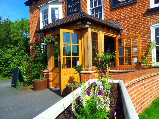 The Masons Arms: .