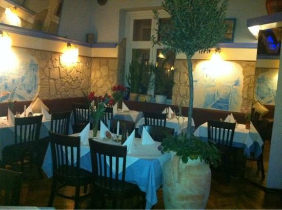 Taverne Lithos: INSIDE THE RESTAURANT