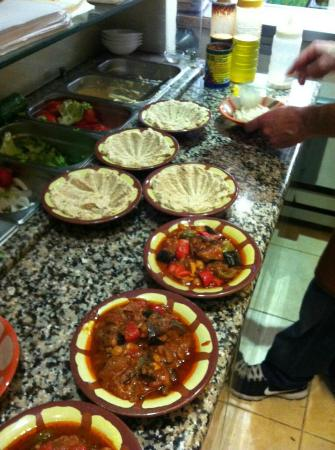 Au Petit Libanais: préparation des menus