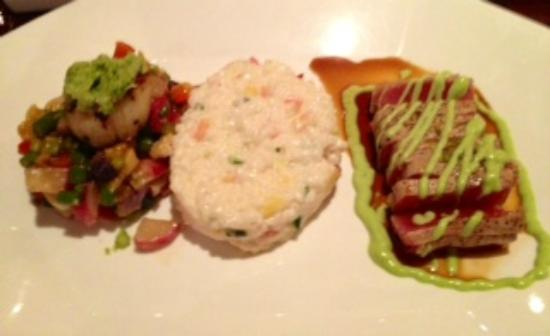 Wild Mango Restaurant and Bar: Seared tuna and sea scallop with tomato and mango risotto