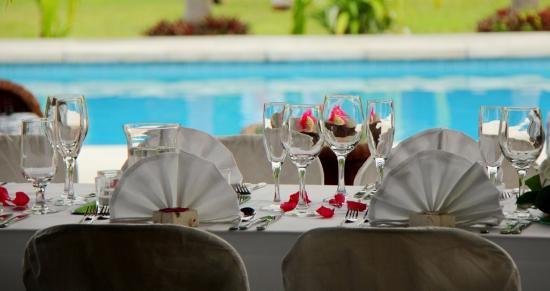موري بيتش ريزورت: Tropical Wedding reception