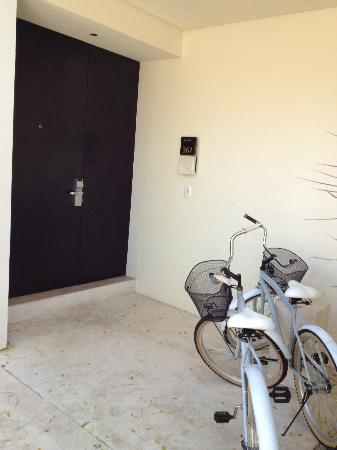 Blue Diamond Riviera Maya: Bicycles given to us to use around the property