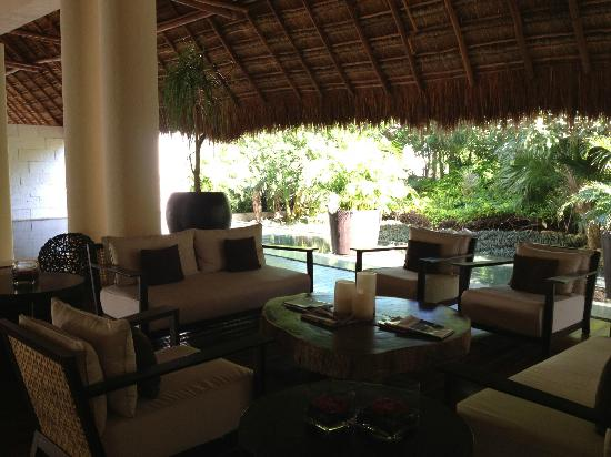Blue Diamond Riviera Maya by BlueBay: lobby area