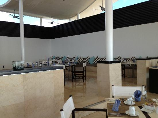 Blue Diamond Riviera Maya by BlueBay: restaurant