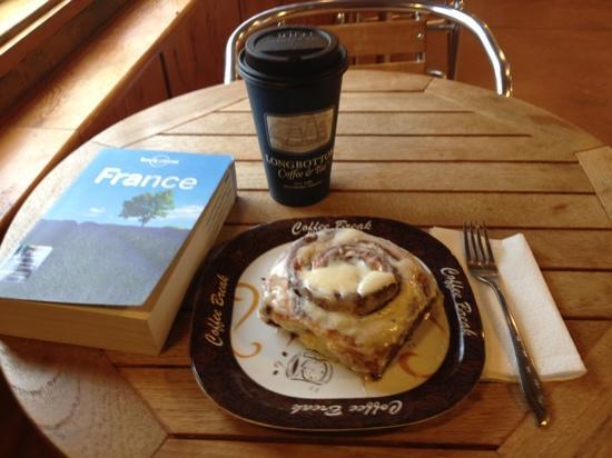 Wheelhouse Coffee Co : Fresh & Hot Coffee & Cinnamon Roll -- YUM!