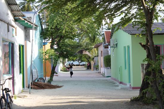 Maldive Due Palme: per le vie di Keyodhoo
