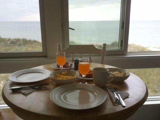 Edgewater Beach Resort: Breakfast each morning