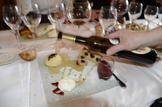 Auberge du Coude: Pas radins sur le vin de paille