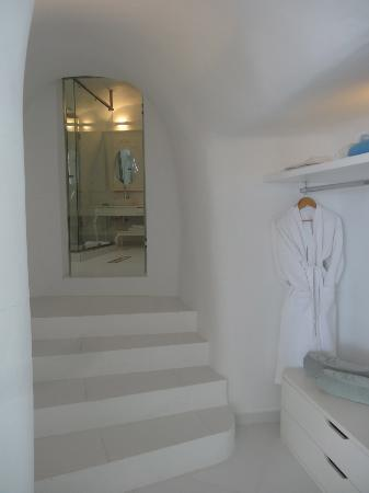 Canaves Oia Hotel: Bathroom