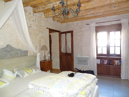 Le Clos de la Garde: downstairs bedroom