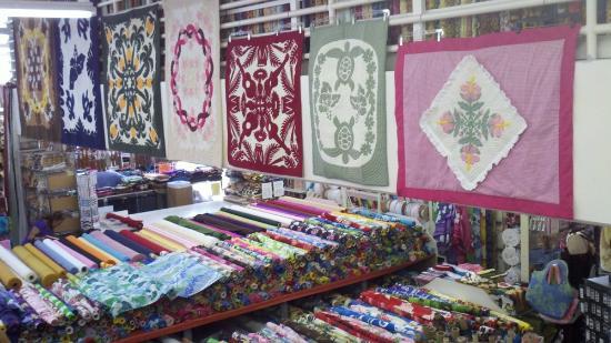 Pre-sewn Hawaiian Quilts - Picture of Fabric Mart, Honolulu ... : quilt shops honolulu - Adamdwight.com
