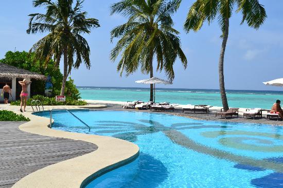 Palm Beach Resort & Spa Maldives: piscina