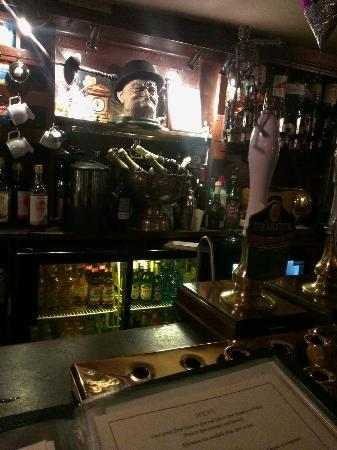 Golden Fleece: bar
