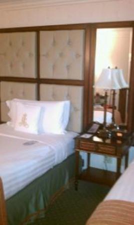 Royal Sonesta New Orleans: Bed2