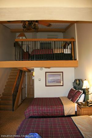 Lake Lawn Resort: Loft suite