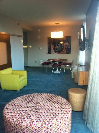 Aloft Asheville Downtown: Another view of my suite - had a nice table/sitting area.