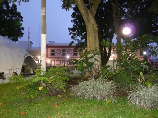 Hotel Casa Tago : Central Park in the evening