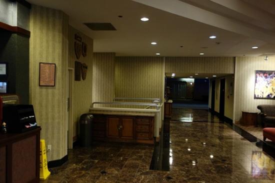 Hilton Eugene: Main Floor