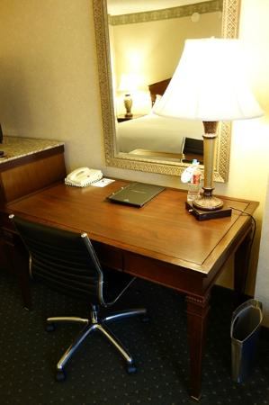 Hilton Eugene: Room
