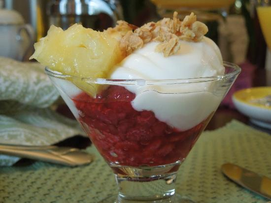 1907 Bragdon House Bed & Breakfast: Fresh Fruit Parfait 10-30-12