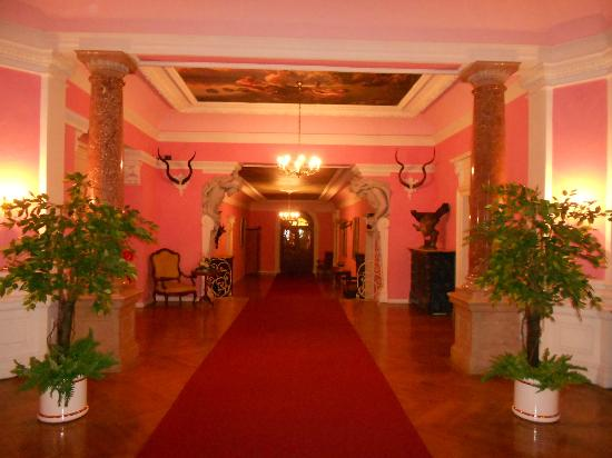 Hotel Schloss Grubhof: Hallway looking other direction