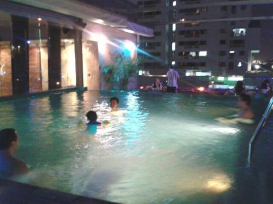 Galleria 10 Sukhumvit: Small swimming pool