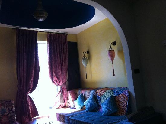 Grand Hotel Amrath Amsterdam: Oriental Suite - Sitting area