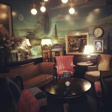 Beehive Tea Room and Wedding Library: teahouse