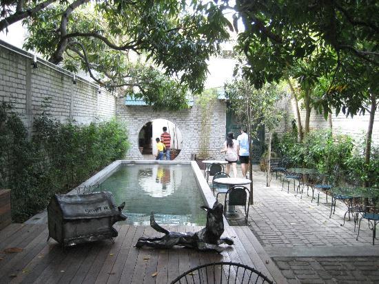 China House : the courtyard garden