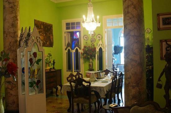Ana y Surama: dinning room