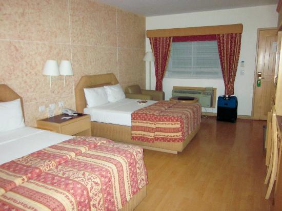Comfort Inn Monterrey Norte: Habitación 201 con aire acondicionado