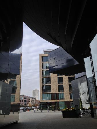 Guthrie Theater : View from the 2nd Street entryway