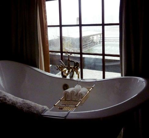 The Ranch at Rock Creek: another bathtub view