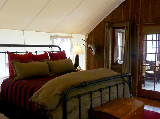 The Ranch at Rock Creek: bedroom