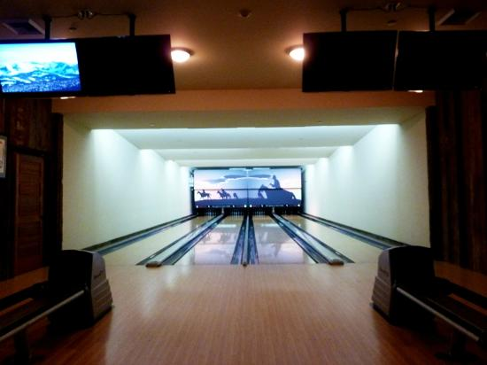 The Ranch at Rock Creek: Bowling alley