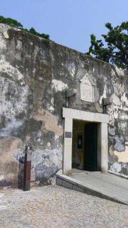 Monte Forte (Fortaleza do Monte): Monte Forte - entrance (2)