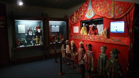 Macao Museum: Chinese Opera exhibit