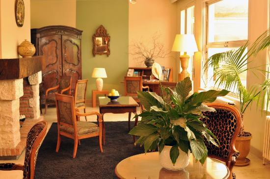 Hostellerie Saint-Antoine : Le petit salon