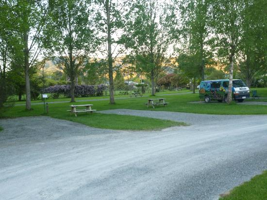 Kiwi Park Motels and Holiday Park: campervan park