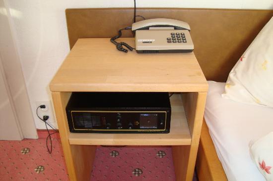 Hotel Brienzerburli und Löwen: 70's communication