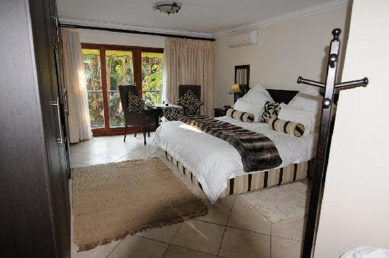 FernIvy Guest House: King Size bedroom